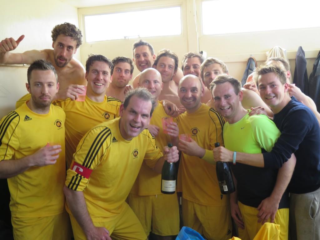 2013-14 1st XI celebrate promotion